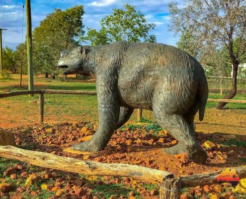 Diprotodon statue at Eulo